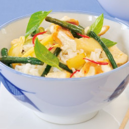 Stir-fried chicken with chilli, basil and bamboo shoots