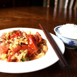 STIR-FRIED TOMATO AND EGG
