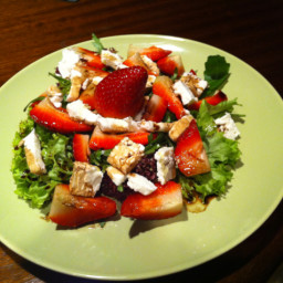 strawberry-and-goat-cheese-salad-3.jpg