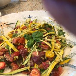 strawberry-avocado-pesto-pasta-salad-ec18925377a9f099ef3f65af.jpg