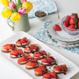 Strawberry Balsamic Mascarpone Bites