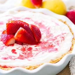 strawberry-lemonade-icebox-pie-2177030.jpg