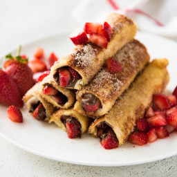 Strawberry Nutella French Toast Roll Ups