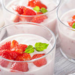 Strawberry Panna Cotta (Super Strawberry Gelatin Dessert)