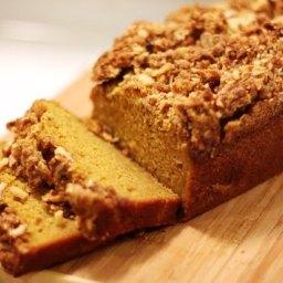 Streusel-Topped Pumpkin Bread