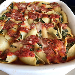 stuffed-pasta-shells-with-spinach-and-ricotta-59fe29264d020d03cae6a84b.jpg