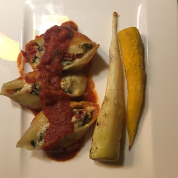 stuffed-pasta-shells-with-spinach-and-ricotta-f3eee43505a10af550e328e0.jpg
