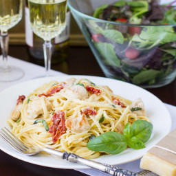 Sun-Dried Tomato and Basil Pasta with Chicken