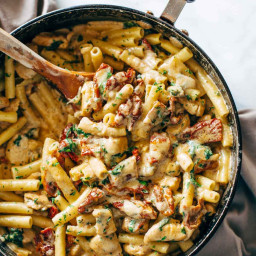 Sun Dried Tomato Chicken Florentine Pasta
