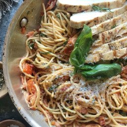 Sundried Tomato–Chicken Spaghetti