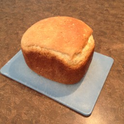 Super Easy Oatmeal Honey Bread (Breadmachine)