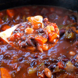 Superfoods Vegan Chili in the Slow Cooker