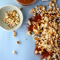 Sweet and Salty Curry Molasses Popcorn