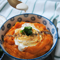 Sweet potato purée with roasted garlic and cashew cream
