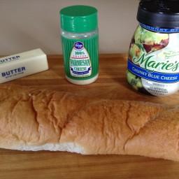 tangy-blue-cheese-bread.jpg