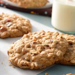 Tender Cranberry-Raisin Oatmeal Cookies