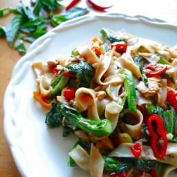 Thai Drunken Noodles with Chicken Recipe | Pad Kee Mao | ผัดขี้เมา