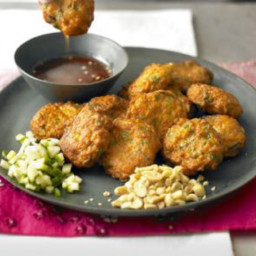 Thai fishcakes with sweet chilli sauce
