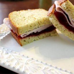 thanksgiving-leftover-bread.jpg