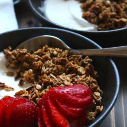 The Best Easy Homemade Granola Recipe