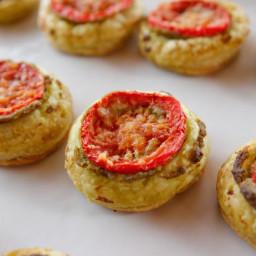 tiny-tomato-tarts-1932244.jpg