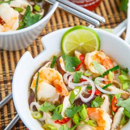 tom-yum-goong-thai-hot-and-sour-shrimp-soup-2332576.jpg