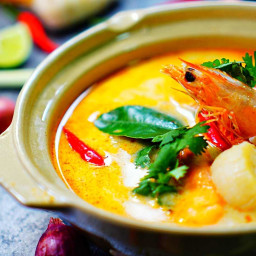 Tom Yum Goong (Thai Spicy and Sour Soup)
