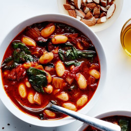 tomato-and-cannellini-bean-soup-2313715.jpg