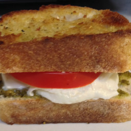 Tomato Basil and Mozzarella Grilled Cheese