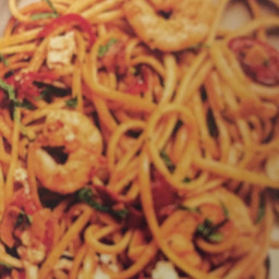 Tomato chilli mint and prawn linguine