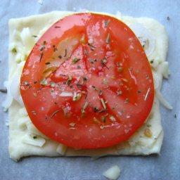 tomato-puff-pastry-bites-3.jpg