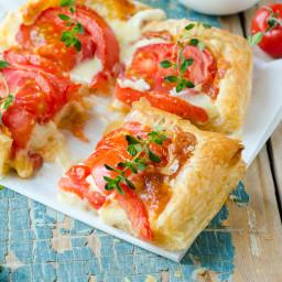 Tomato Puff Pastry Bites