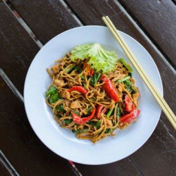 Tossed Chicken Chili Pepper Thai Noodle Pot