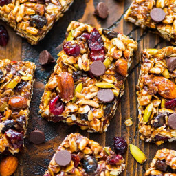 Trail Mix Peanut Butter Granola Bars {No Bake!}