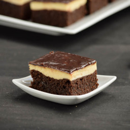 Triple Layer Cheesecake Brownies Squares