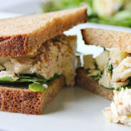 Tuna and Hummus Sandwich