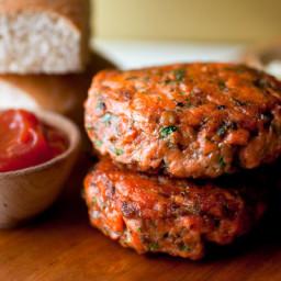 tuna-or-salmon-burgers-2781368.jpg