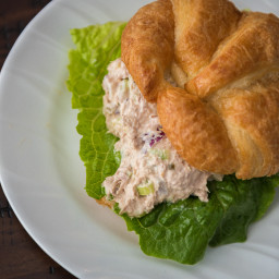 tuna-salad-sandwich-croissant-1478848.jpg