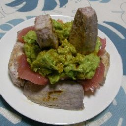 tuna-with-avocado-and-wasabi-compot-2.jpg