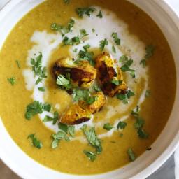Turmeric Roasted Cauliflower Soup