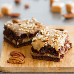 Turtle Cheesecake Cookie Bars