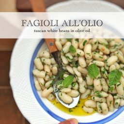 Tuscan Braised White Beans Recipe (Fagioli all'Olio)