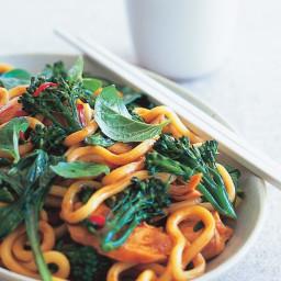 Udon noodle & chicken stir-fry