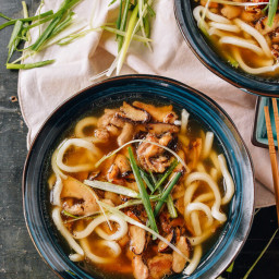 Udon Noodle Soup with Chicken and Mushrooms