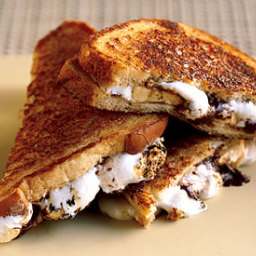 Chocolate, Banana & Marshmallow Sandwich