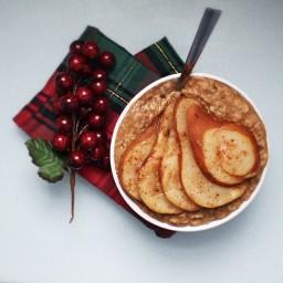 Vanilla Chai Spiced Pear Oatmeal