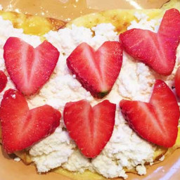 Vanilla Frittata With Strawberries and Ricotta