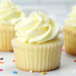 Vanilla Homemade Cupcakes