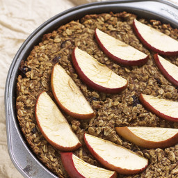 Vegan Apple and Gingerbread Baked Oatmeal
