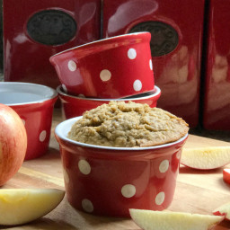 Vegan Apple Cinnamon Baked Oatmeal
